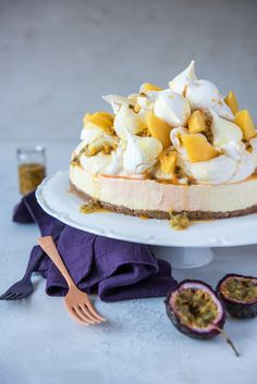 Have your Eton mess and a cheesecake too! This no bake mash-up is topped with whipped cream, meringue kisses and fresh mango for an easy but dramatic dessert. Passionfruit Cheesecake, Mango Cheesecake, Cheesecake Recipes, Summer Desserts, Christmas Desserts, Christmas Baking, Summer Food, Raspberry Pavlova, Simnel Cake