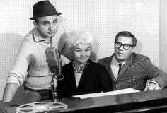 pCHICAGO - 1960: (L-R) Chess Records founder Phil Chess, RB singer Etta James and record producer Ralph Bass pose for a portrait at Chess Records Studios in 1960 in Chicago, illinois. (Photo by Michael Ochs Archives/Getty Images)/p