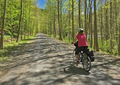Biking the Pine Creek Rail Trail though the Pennsylvania Grand Canyon offers impressive scenery for bikers of all skill levels. Bike Trails, Hiking Trails, Grand Cayon, Grand Canyon Camping, Go Ride, Bike Path, Winter Camping, State Parks, Kayaking