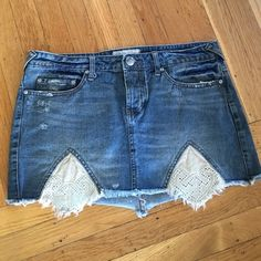 Free People Jean Skirt Adorable FO jean skirt in perfect condition Free People Skirts Mini