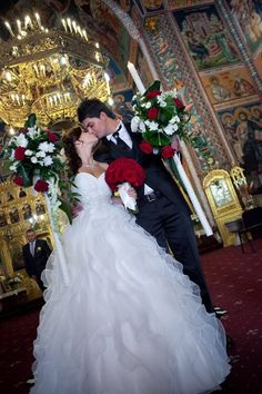 #Church ceremony ... Wedding ideas for brides & bridesmaids, grooms & groomsmen, parents & planners ... https://itunes.apple.com/us/app/the-gold-wedding-planner/id498112599?ls=1=8 … plus how to organise an entire wedding, without overspending ♥ The Gold Wedding Planner iPhone App ♥