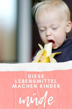 Abendessen: Diese Lebensmittel machen so richtig schön müüüüüde Oh yes, many mums know it: the fight with the toddler who is simply not tired and does not want to go to bed in the evening. Baby Led Weaning, Parenting Teens, Parenting Humor, Funny Babies, Funny Kids, Childrens Meals, Nursing Memes, Le Diner, Baby Hacks