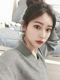 Image may contain: 1 person, indoor and closeup Kpop Girl Groups, Kpop Girls, Korean Girl, Asian Girl, Secret Song, Asian Babies, Japanese Girl Group, The Wiz, Ulzzang Girl