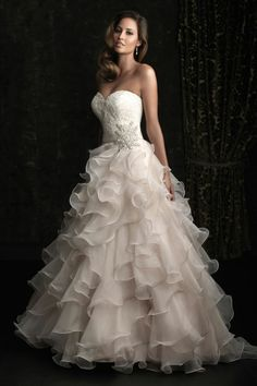 Organza,Ball gown, with bodice Ft.Sweetheart neckline & Embroidered Lace