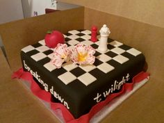 Twilight cake Twilight Cake, Twilight Movie, Cakes Without Fondant, Fantasy Movies, Cakes And More, Food Design, Themed Cakes, Cake Art, Vampires