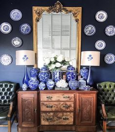 "314 Likes, 6 Comments - the chinoiserie collective (@thechinoiseriecollective) on Instagram: ""Can you all tell I am in a plate hanging mood lately?! LOVING this blue and white mix by…"""