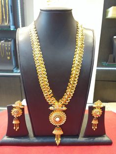 Londe Jewellers 2016 Collection  Exclusively Available at Showroom Weight - 104.530 gms Today's Gold Rate - 29,890/-  Model no - 189 Making Charges - 12%  Vat - 1.2% Total Amount - 3,44,653/- As of 17th May 2016  #nagpurjewellers #goldinyou #londejewellers