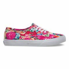 The Authentic Slim, with a slightly slimmer silhouette than that of the original, has a simple low top, lace-up durable canvas upper with all-over floral print, metal eyelets and Vans signature Waffle Outsole.