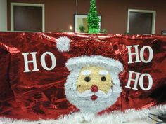 The Holiday Season is here and that can only mean one thing. It's office decorating season! Here are some Holiday Office Decorating Ideas and Inspiration. Office Christmas Gifts, Office Christmas Party, Merry Christmas Sign, Christmas Christmas, Christmas Themes, Christmas Cubicle Decorations, Christmas Door Decorating Contest, Holiday Decor, Office Decorations