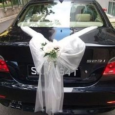 Find out creative wedding car decoration ideas, bridal car decor pictures tips in fresh flowers, colorful ribbons, balloons, mirror artifacts stylish ornaments.