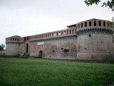Cosa Visitare e cosa fare a Imola e dintorni: l'arte che fa la storia - Vedi tutto su http://www.ilcomuneinforma.it/viaggi/10252/imola-e-dintorni/
