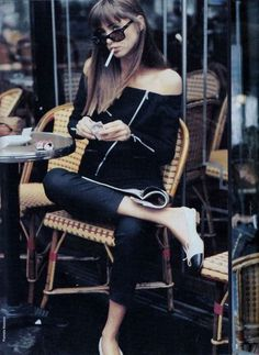 "chanelbagsandcigarettedrags:  ""Elle France, June 1987  """