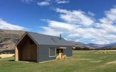 Looking For Auckland Architectural Designs? Check Out The Crosson Architects Portfolio - Stunning Designs Including Residential, Commercial And Urban. New Zealand Architecture, Roof Architecture, Residential Architecture, Shed Homes, Prefab Homes, Style At Home, Roof Design, House Design, Barn Renovation