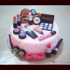 1000+ images about MAC Makeup Cakes Xo on Pinterest Mac ...