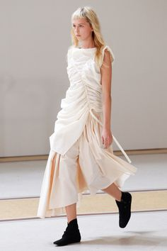 Lemaire Spring 2017 Ready-to-Wear Collection Photos - Vogue