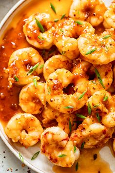This delicious honey garlic shrimp takes less than 10 minutes to make and tastes better than in a restaurant! Honey Shrimp, Chicken And Shrimp, Garlic Shrimp, How To Cook Mince, How To Cook Shrimp, Shrimp Recipes Easy, Asian Recipes, Speedy Recipes, Healthy Stir Fry