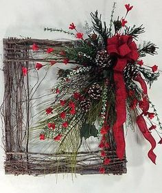 Cool 88 Adorable Christmas Wreath Ideas for Your Front Door. More at http://88homedecor.com/2017/09/30/88-adorable-christmas-wreath-ideas-front-door/