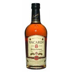 La riconosciuta qualità legata al nome BACARDI® trova la sua massima espressione in BACARDI® 8: chi ha inventato il rum è anche maestro nel farlo invecchiare.