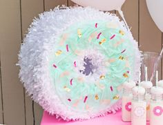 For all you crafty, donut loving people out there have we got the tutorial for you! This DIY donut pinata is not only super cute, but it's an inexpensive way to add some extra fancy to your n… Donut Party, Donut Birthday Parties, Birthday Diy, Birthday Ideas, 10th Birthday, Birthday Photos, Birthday Gifts, Donut Decorations, Birthday Party Decorations