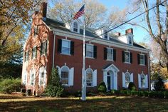 Monmouth County Historical Association is a non-profit history museum, research library and archives with five historic houses throughout the county. Monmouth County, Beautiful Places To Live, Tree Line, Mount Vernon, Horse Farms, History Museum, Historic Homes, Walking Tour, Small Towns