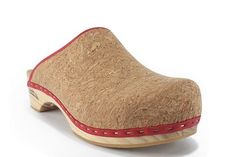 Zapatos Shoes, Wooden Clogs, Peeps, Dancing, Peep Toe, Dress Shoes, Dressing, Velvet, Clogs Shoes