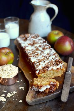 This oatmeal apple coffee cake is whole grain and can be gluten free, made with 100% oats and no flour!