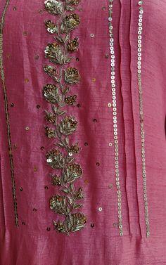 Embroidery Suits Punjabi, Zardosi Embroidery, Embroidery On Kurtis, Kurti Embroidery Design, Hand Embroidery Dress, Bead Embroidery Patterns, Couture Embroidery, Embroidery Fashion, Beaded Embroidery