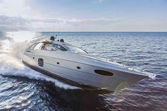 Pershing Yacht 70