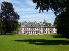 AD } Thanks for following !!!! :) Un chaleureux welcome !!!! @ad.anne.dibourg#Robertsau#Strasbourg Chateau de #Pourtales