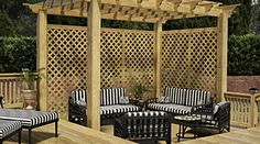 Benefits and Uses of Pressure-Treated Wood Lattice
