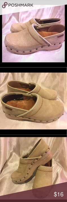 Dansko Oatmeal Fabric Clogs Size 36 /6 Dansko Oatmeal Clogs Size 36 /6  This shoe is missing the back piece as shown in pictures it is taped The price reflects missing piece Definitely has a lot of life left . Dansko Shoes Mules & Clogs