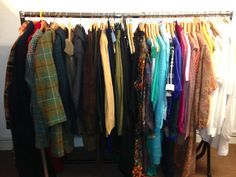 Rails of beautiful vintage clothing. Vintage Shirts, Vintage Clothing, Vintage Outfits, Vintage Fashion, Vintage Vibes, Photo And Video, Shopping, Clothes, Beautiful