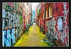 Graffitis Print on canvas with a frame or aluminum - a large or medium size would be cool