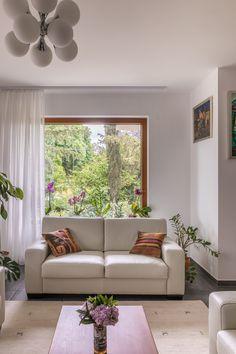 Couch, Windows, Interior Design, Pretty, Furniture, Home Decor, Nest Design, Settee, Decoration Home