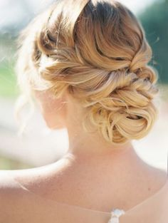 What's the Difference Between a Bun and a Chignon? - How to Do a Chignon Bun – Easy Chignon Hair Tutorial - The Trending Hairstyle Hairdo Wedding, Bridal Updo, Wedding Hair And Makeup, Hair Makeup, Wedding Shoot, Bridal Gowns, Wedding Dresses, Best Wedding Hairstyles, Bride Hairstyles