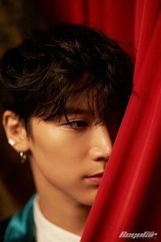 NCT's Chinese unit WayV is back with more 'Regular' individual teaser images, this time for members Ten and Kun!WayV will … Yang Yang, Winwin, Kim Dong Young, Lee Young, Nct 127, Lucas Nct, Extended Play, Taeyong, Jaehyun