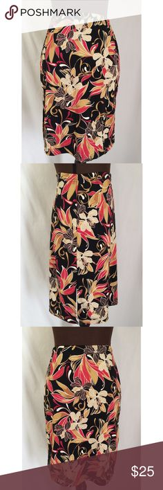 Women's A. Byer Floral Print Skirt Women's skirt. Floral print. Elastic waistband. Slits on each side of skirt. Unstretched waist 24 inches. Size Medium   Length 21 inches. A. Byer Skirts