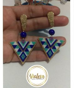 Aretes tejidos en Miyuki 💗 Info 3008998258 . = . . . . . . . = . . . . . . hechoenmedellin #hechoamano #miyuki #miyukidelica #arte #pulseras #accesorios #fashion #medellin #miyukibeads Beading Projects, Silver Chain Necklace, Brick Stitch, Tassel Earrings, Designer Earrings, Stone Beads, Crystal Beads, Gifts For Women, Jewelry Gifts
