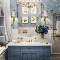 Blue Bathroom: ideas and tips to decorate the environment with this color - Home Fashion Trend Pastel Bathroom, Bathroom Red, Modern Bathroom, Bathroom Ideas, Chic Bathrooms, Luxurious Bathrooms, Bathroom Wallpaper, Bathroom Design Small, Bathroom Interior Design