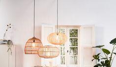 Karwei | De 4 lampen trends van 2020 Chandelier, Ceiling Lights, Retro, Lighting, Fill, Home Decor, Homemade Home Decor, Candelabra, Light Fixtures
