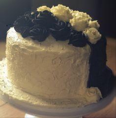 Black and White Roses Cake