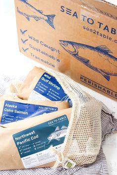 Juice Packaging, Cake Packaging, Food Packaging Design, Luxury Packaging, Seafood Online, Quick Fish, Brochure Design Layouts, Id Design, Graphic Design