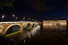 Le pont Neuf et l'Hôtel-Dieu, Toulouse, France © P. Nin - Ville de Toulouse #visiteztoulouse