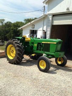 Shop Tractors t-shirts. Antique Tractors, Vintage Tractors, Vintage Farm, Old John Deere Tractors, Jd Tractors, John Deere 2010, Agriculture Photos, John Deere Equipment, Tractor Implements