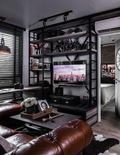 This is certainly not the first time we have explored the variety and creativity of loft living on this blog. The increased emphasis on urban spaces that are bo