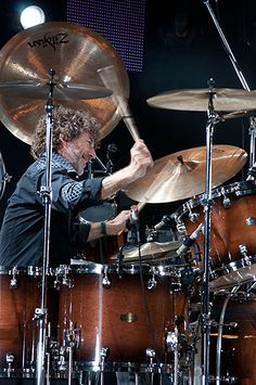 Simon Phillips drummer ⭐️Music groups: Toto, Michael Schenker Group, 801, PhD, National Youth Jazz Orchestra, Hot Gossip, RMS