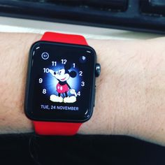 Swapped to Mickey about a week ago and can't swap back his toe tapping is infectious! #applewatch by lunacyabove