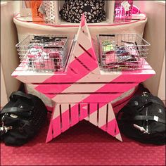 Pale Macy's® or Pointy Victoria's Secrets® Branding Includes Wire Baskets