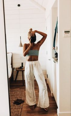 outfit looks & outfit looks _ outfit looks ideas _ outfit looks 2019 _ outfit looks summer _ outfit looks style _ outfit looks casual Mode Outfits, Trendy Outfits, Holiday Outfits, Ladies Outfits, Surfergirl Style, Looks Style, My Style, Chill Style, Mode Hippie