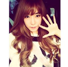 Girls' Generation Tiffany, Lovely Upgrade With New Bangs 'See You Soon' http://www.kpopstarz.com/articles/143173/20141128/girls-generation-tiffany-lovely-upgrade-with-new-bangs-see-you-soon.htm